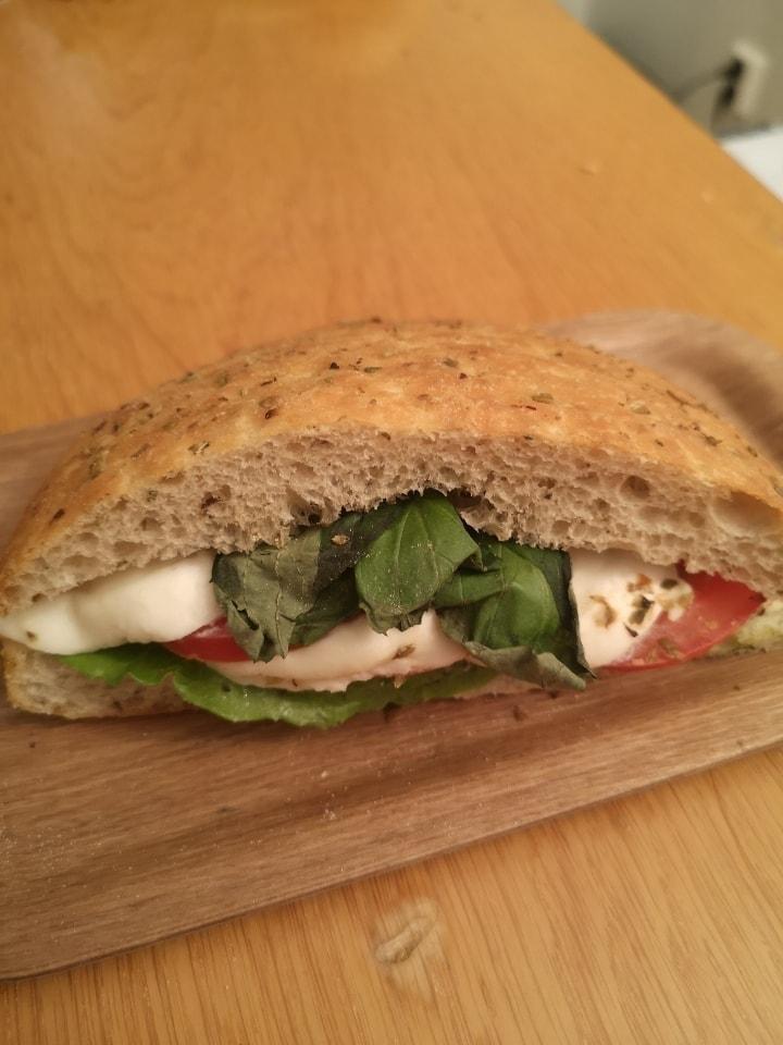 1x mozzarella sandwich from Non Solo bar