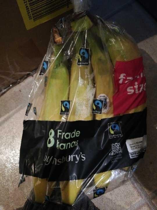 8 Fairtrade bananas