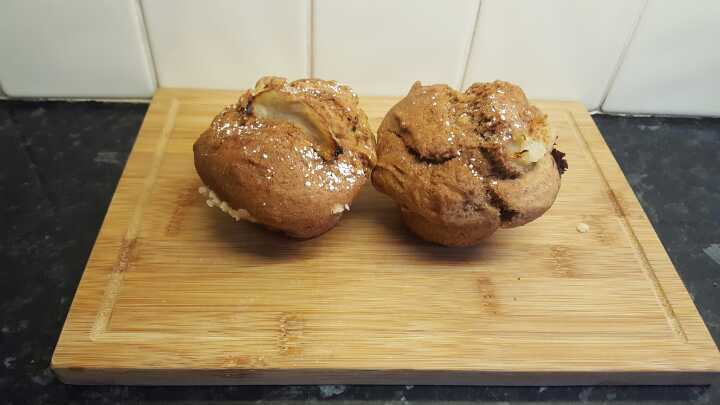 2x Apple and Cinemon Muffins. H