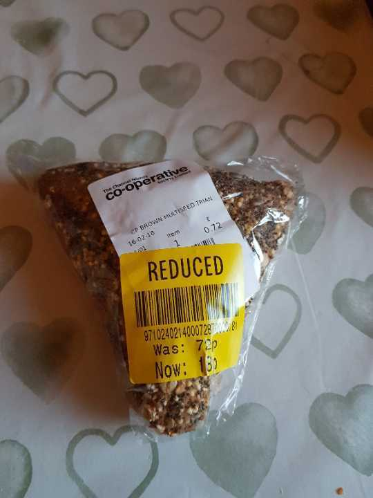 Brown multiseed roll
