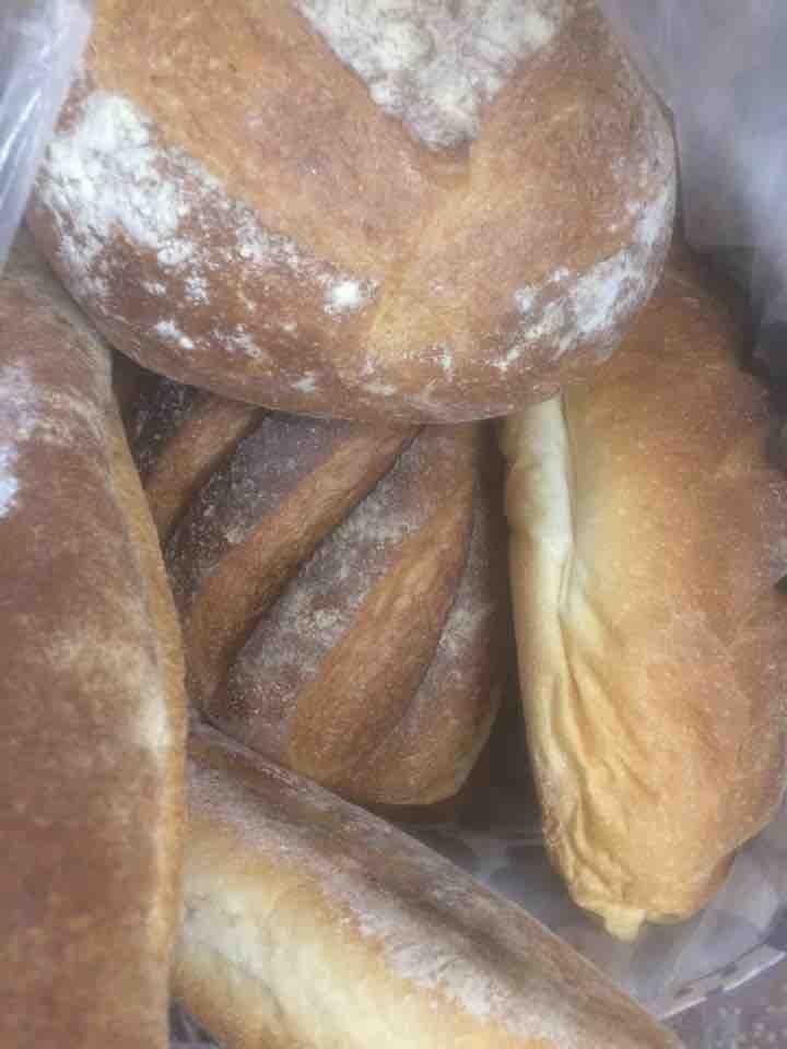 Bread + rolls - LOTS 🥖🍞