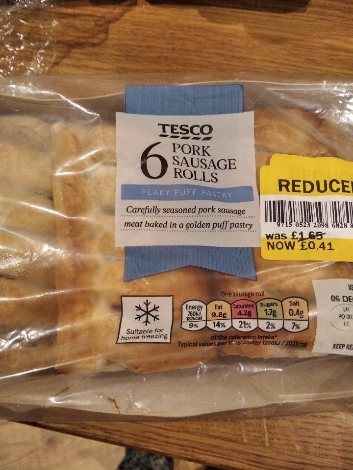 Pack of 6 pork sausage rolls