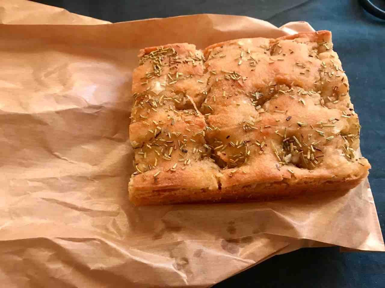 Fresh glutenfree vegeterian focaccia from Happy Atelier (19/04)