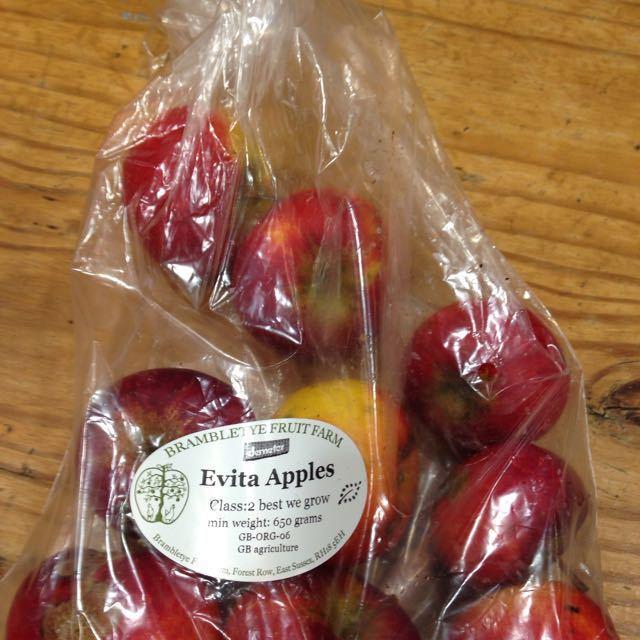 Evita apples