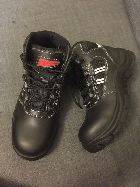 Airside black Leather safety boots size 5