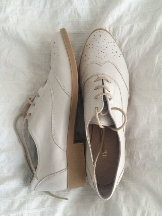 Brand new white leather brogues