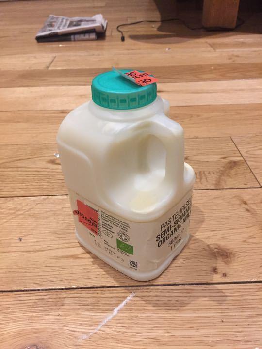 Organic semiskimmed milk