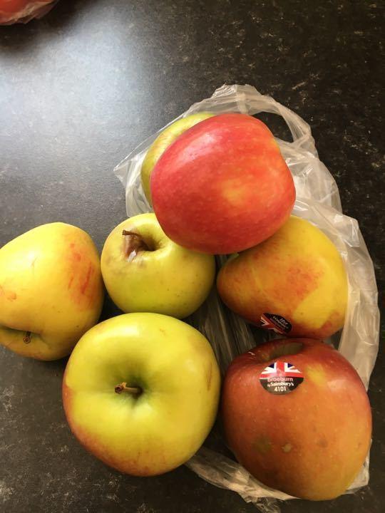 Bag of mixed apples