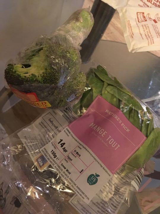 Broccoli and mange tout