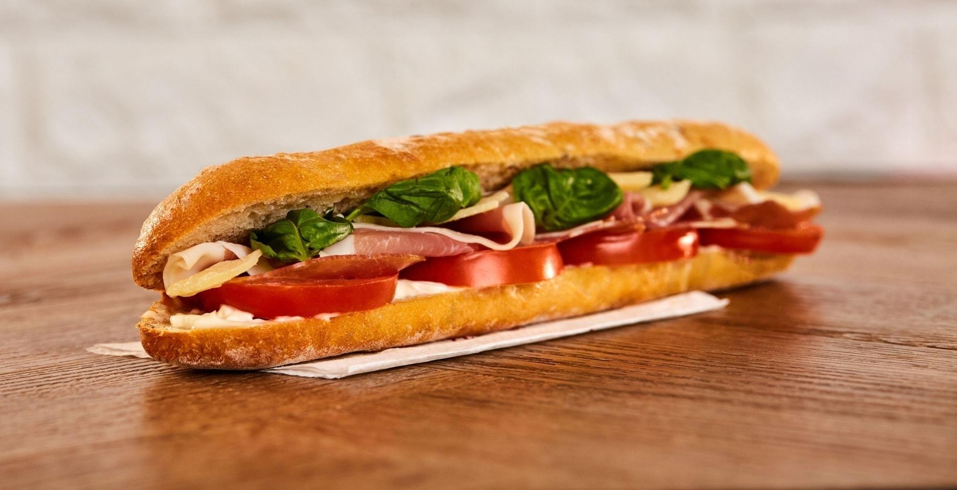 Pret baguette italian prosciutto