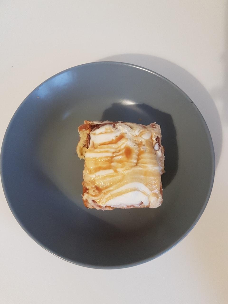 American style cinnamon bun