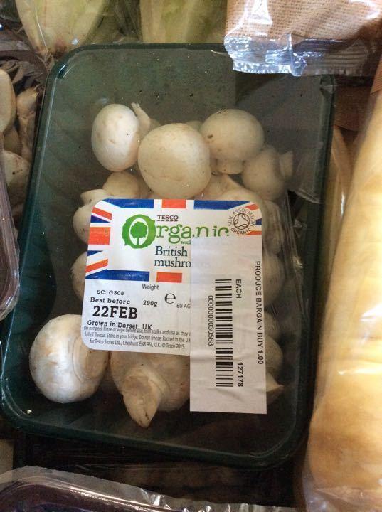 Organic button mushrooms