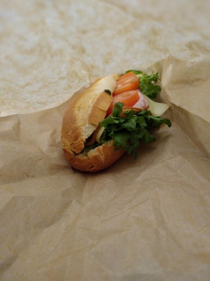 1 x ham baguette sandwich