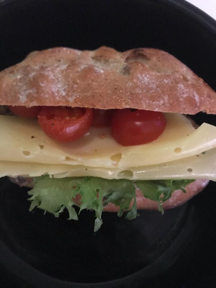 1x fresh small sandwich from Non Solo Bar, 10/1