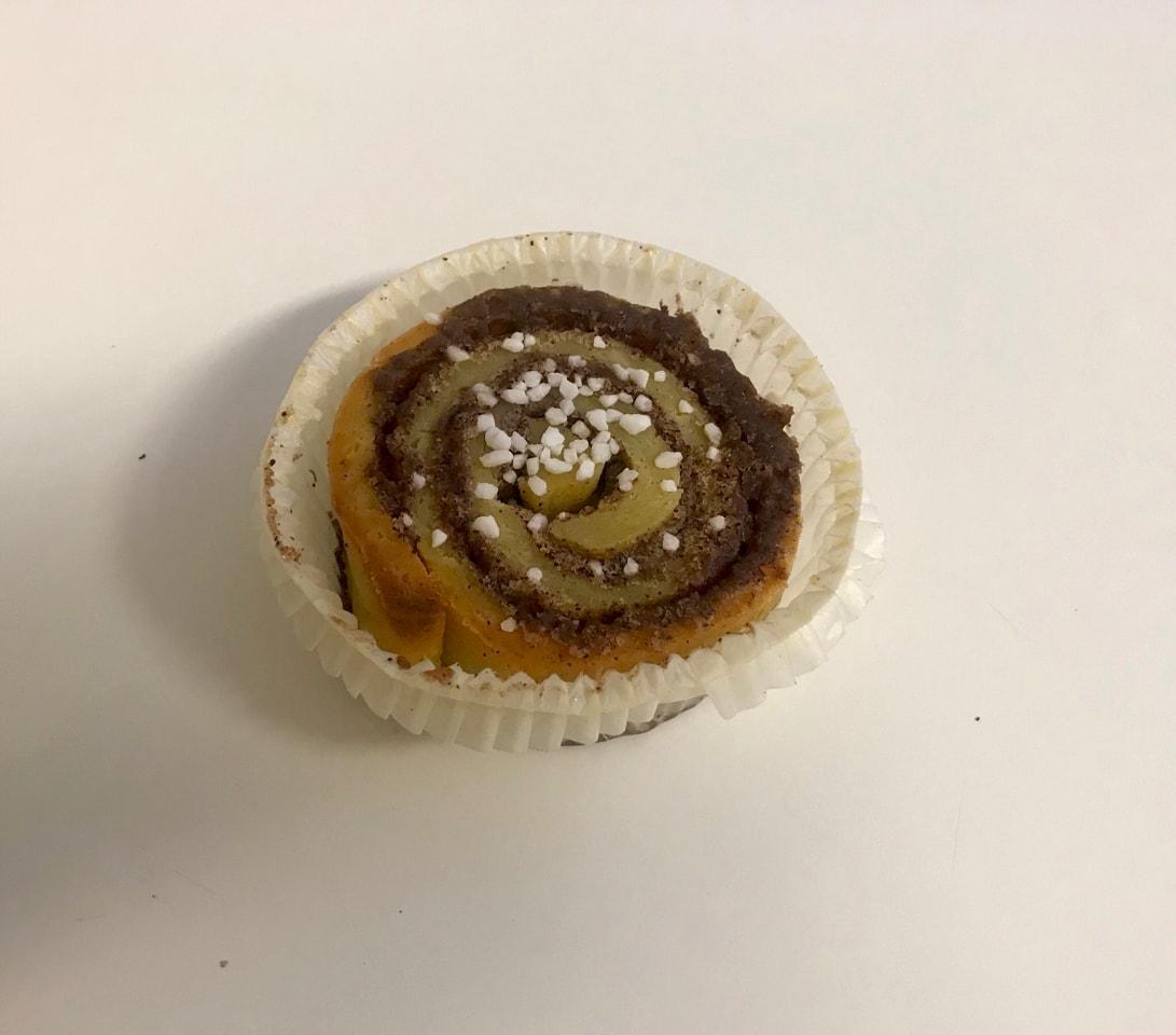 Fresh glutenfree cinnamon bulle from Happy Atelier (19/06)t