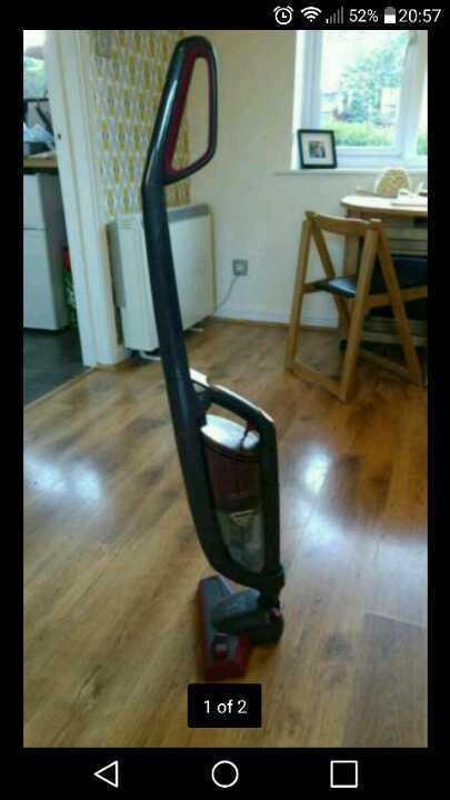 Cordless lightweight vacuum