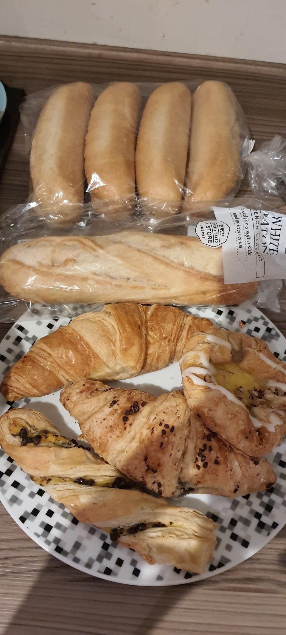 mixed bread and bakery