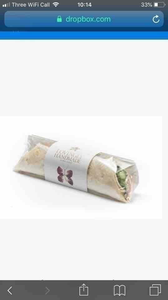 Prets avo and herb wrap