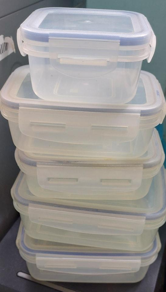 Tupperware boxs