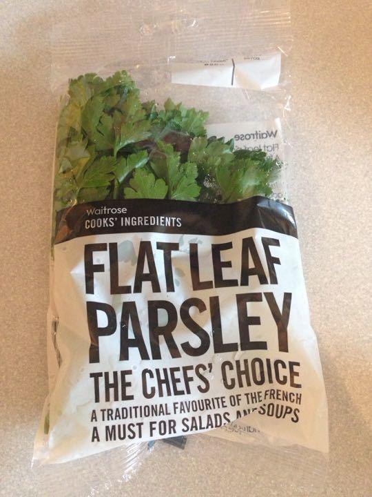 Unopened flat leaf parsleY