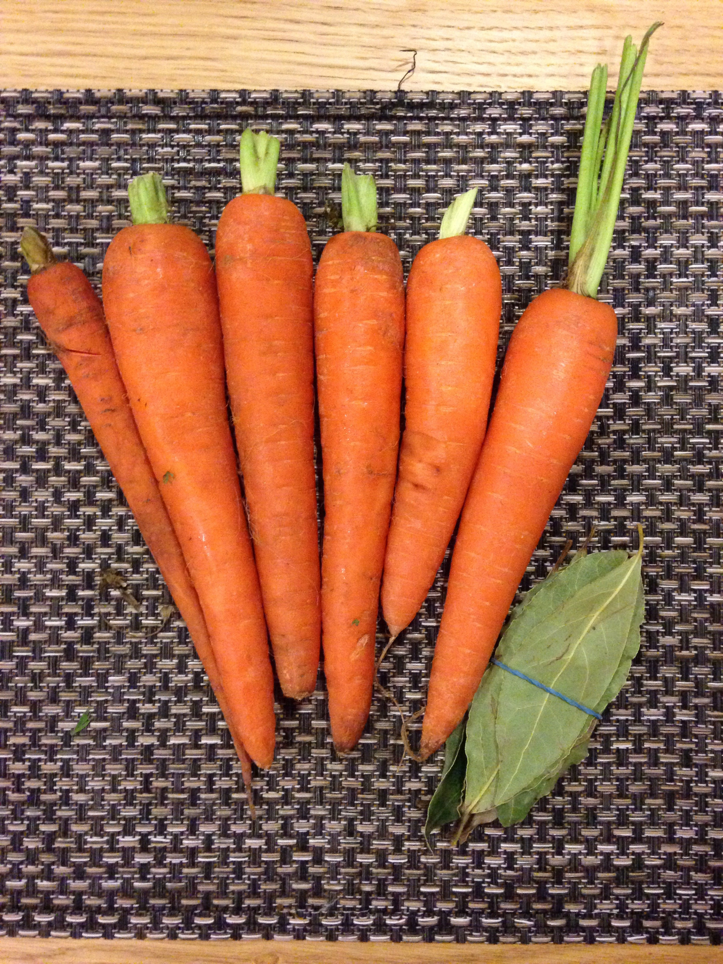 Carrots+bay leaf