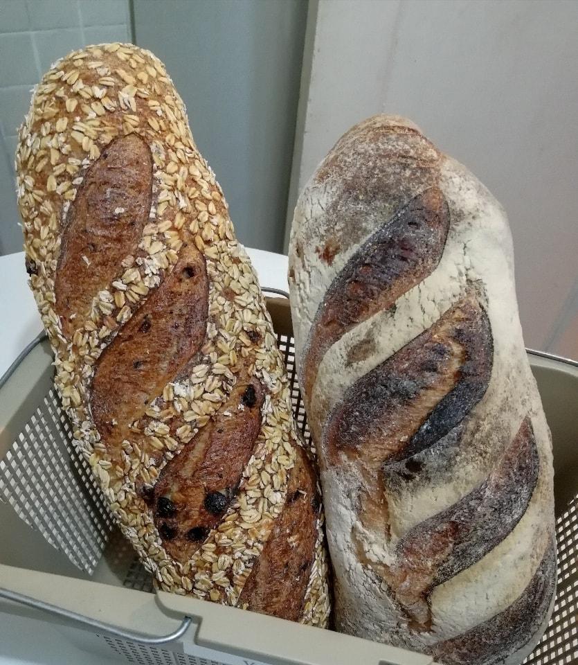 2 Hogazas completas de pan artesanal