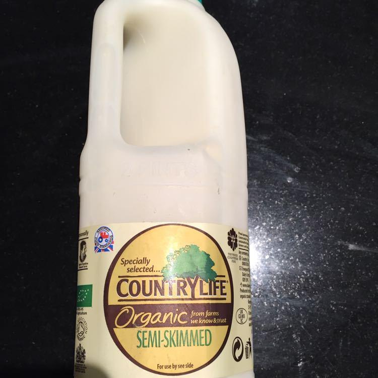 Organic semi-skimmed milk