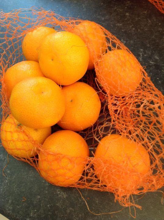 10 small oranges