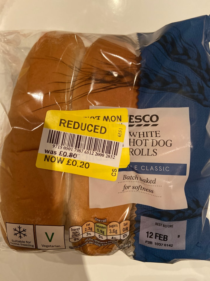 Tesco hotdog rolls