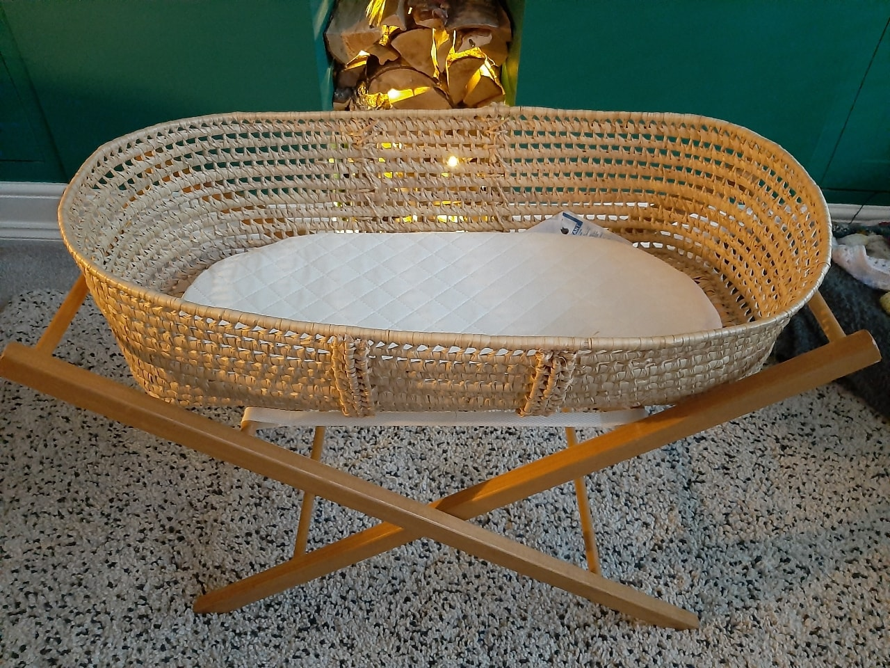 Moses basket with stand and brand new mattress