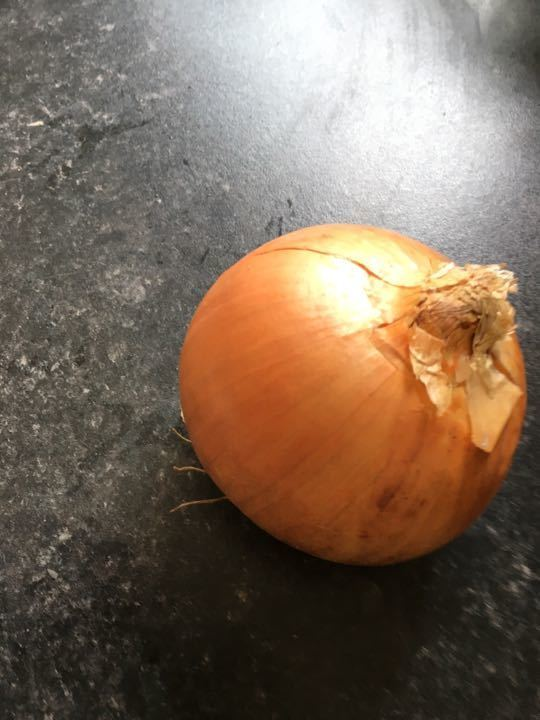 2 large onions (1 per request)