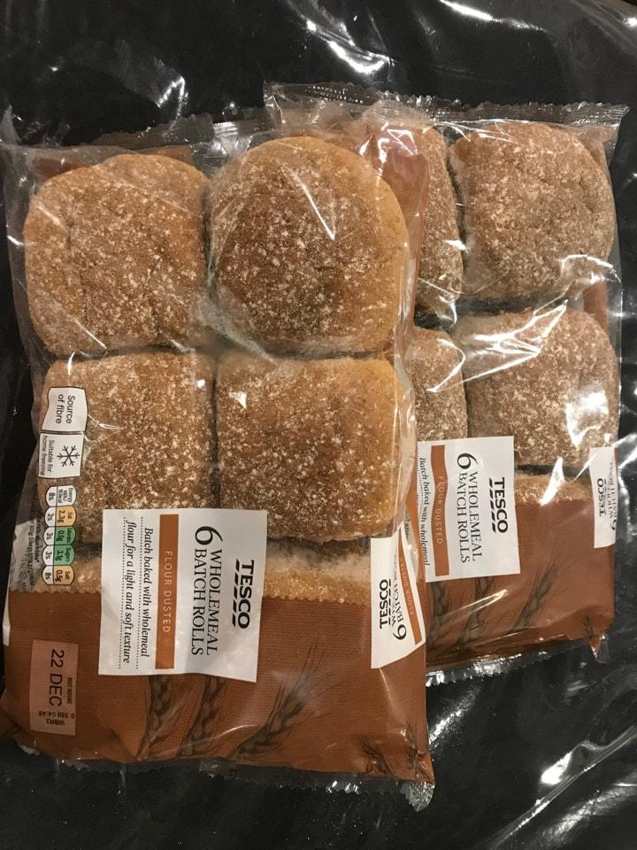 Wholemeal batch rolls