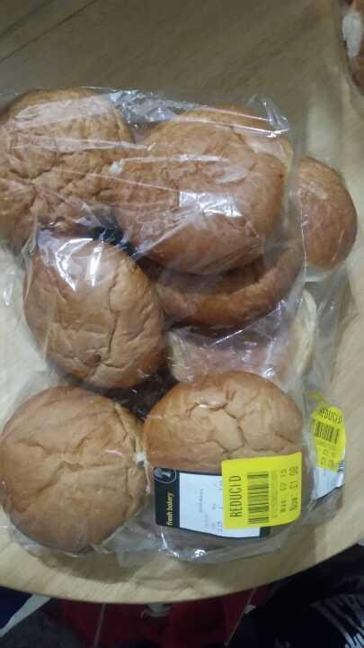 White burger buns from Coop