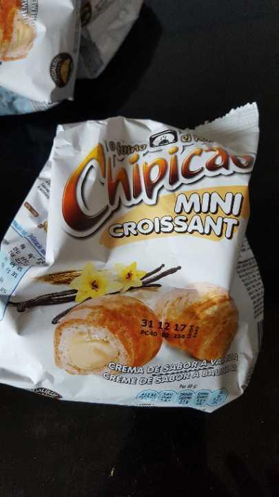 Mini vanilla croissants