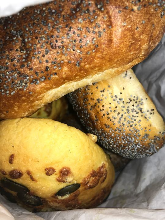 3 Breads with seeds from Pesso