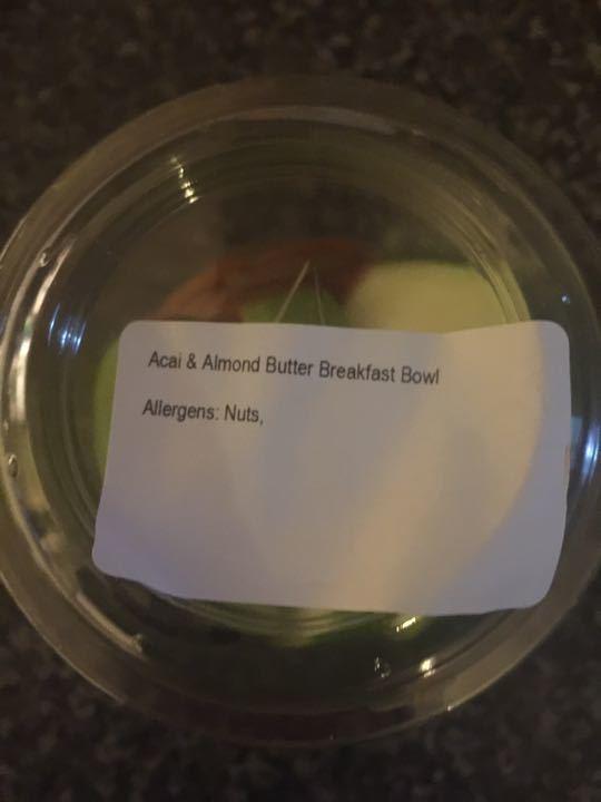 Pret A Manger Apple, Açai and almond butter breakfast pots