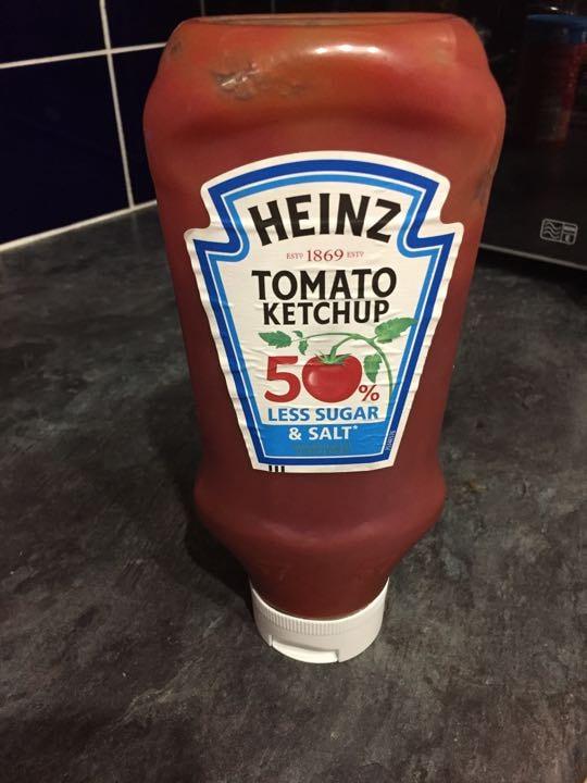 Heinz Tomato Ketchup (50% less salt and sugar)