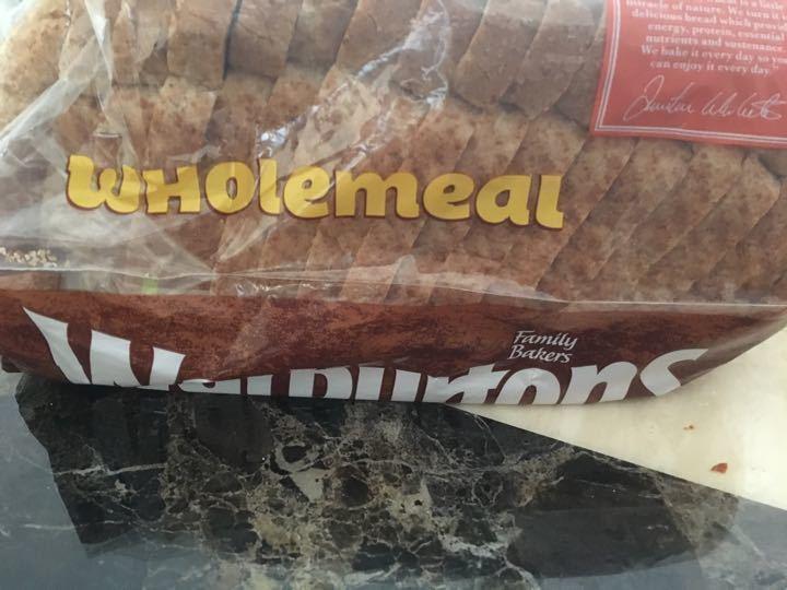 Warburtons wholemeal loaf 400g