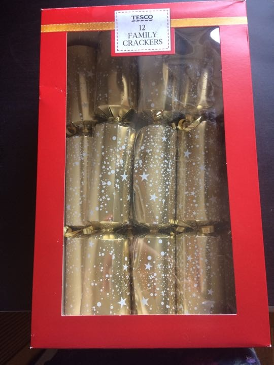 5 Tesco Family crackers