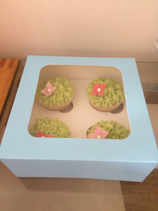 Vanilla cupcakes ( Cathie's cupcakes )