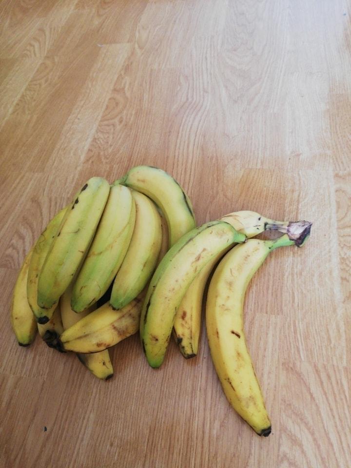 12 X loose Bananas
