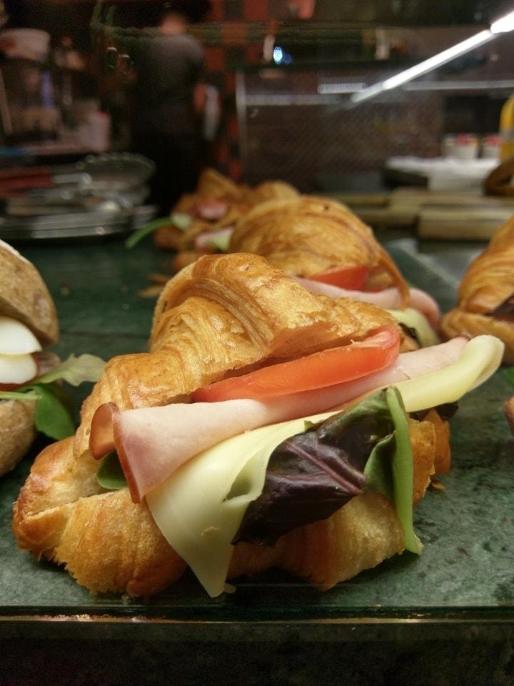 Croissant sandwich x 1