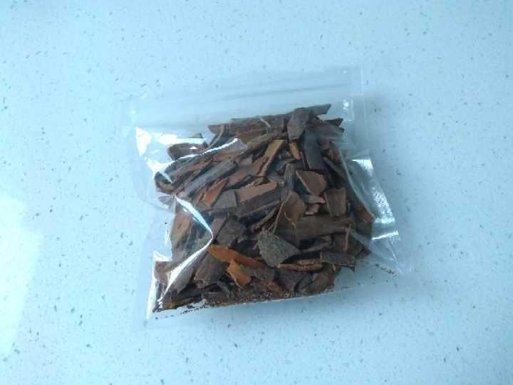 Chinese cinnamon (cassia bark)