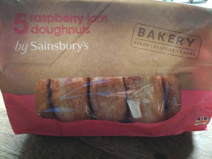 Raspberry doughnuts