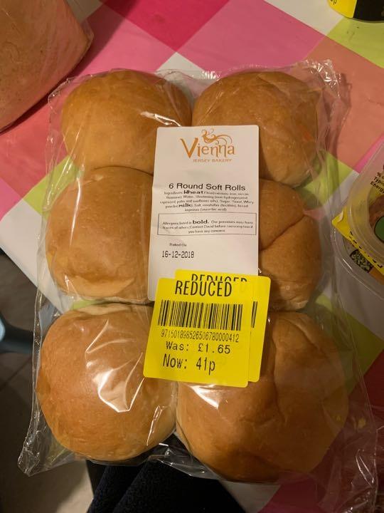 Round soft rolls