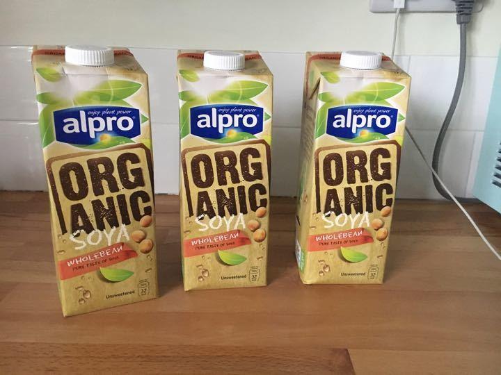 Organic soya milk x3