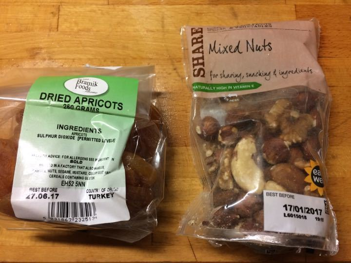 Mixed nuts and apricots