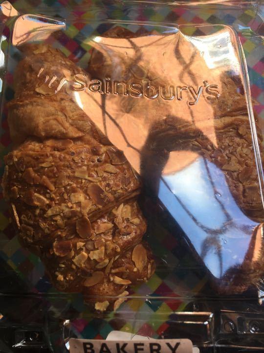 2 pack almond crossaint