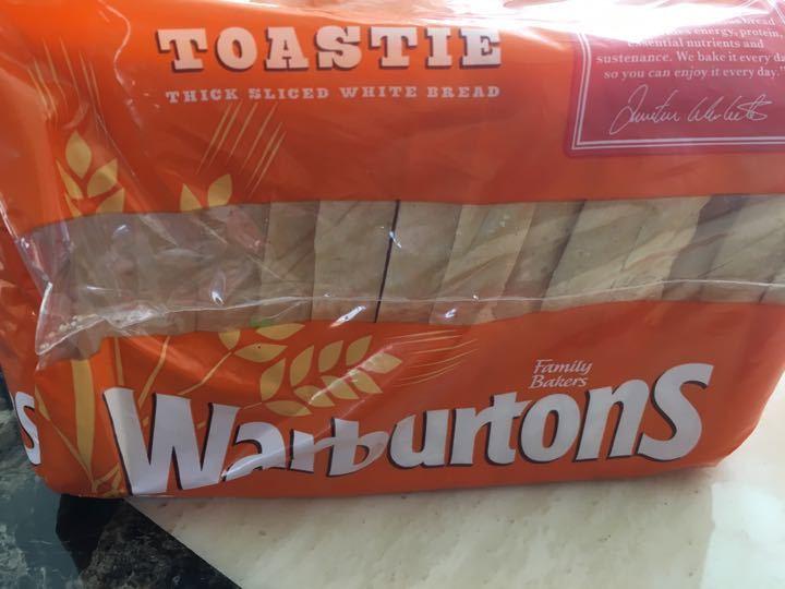 Warburtons toastie 400g