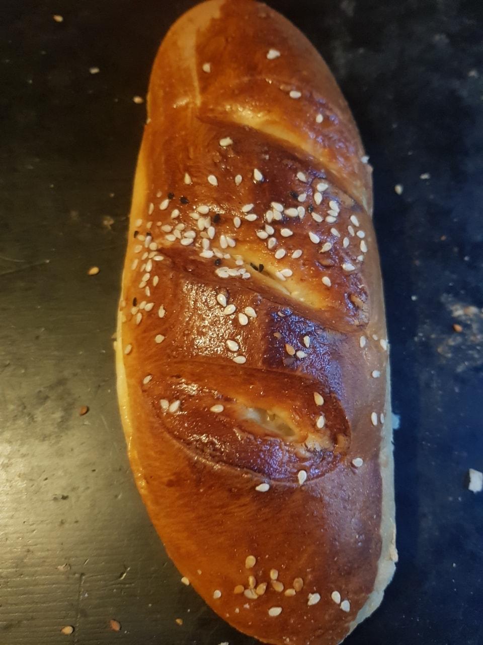 Sausage roll / hot dog pogoca